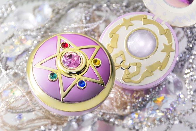 Sailor Moon Tamashii Nations Crystal Star Compact Proplica! Info and links here http://www.moonkitty.net/buy-bandai-tamashii-nations-proplica.php