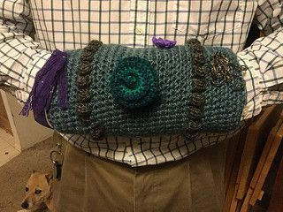 This pattern was designed for Whigmaleerie Crafts' charity project, and is offered here free for anyone who wants to crochet twiddle muffs. It came about as the only patterns I could find were knit, and I thought the hookers should get to join in too.