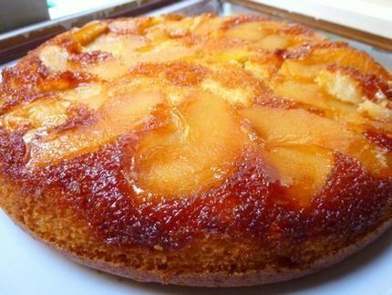 gateau au yahourt  et aux pommes caramélisées
