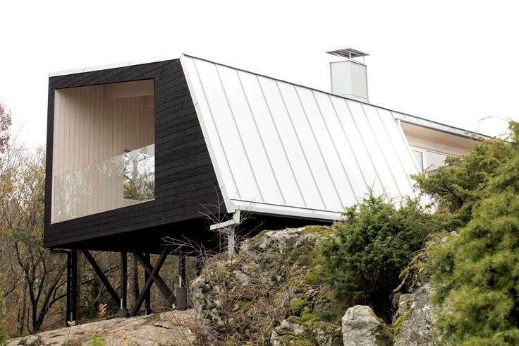 Swedish Mountain House. Som en del av naturen.   Arkitekt: Emma Richardsdotter Tollig och Cia Callemo Arkitektkontor: Richardsdotter Callermo Arkitekter.   Part of the swedish nature.