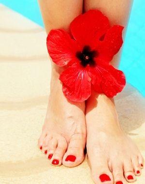 pensez à protéger vos pieds du soleil.