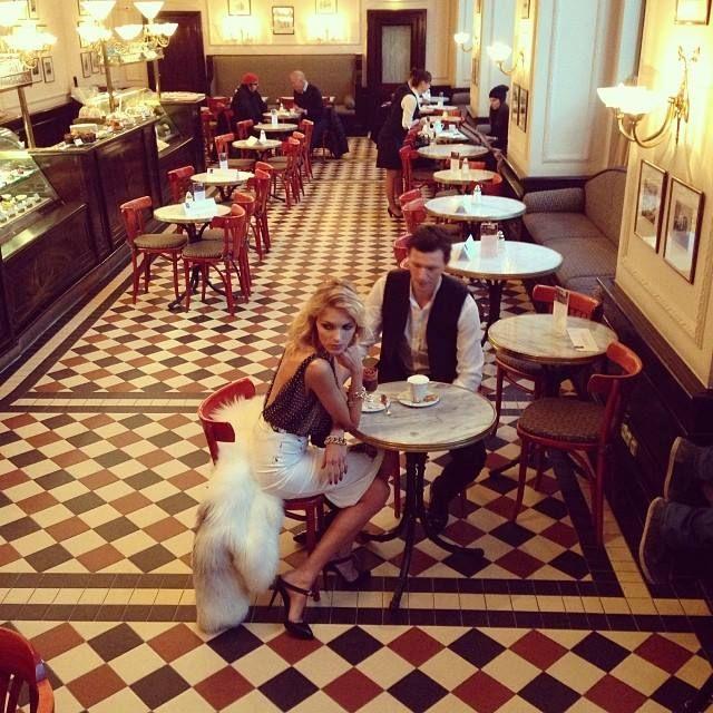Anja Rubik i Sasha Knezevic na planie sesji dla Vanity Fair Spain, fot. FB Anja Rubik
