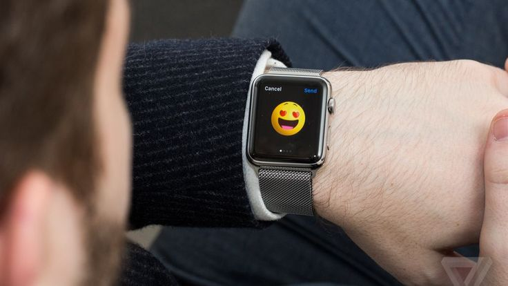 Apple Watch banned from UK cabinet meetings over Russian hacking fears
