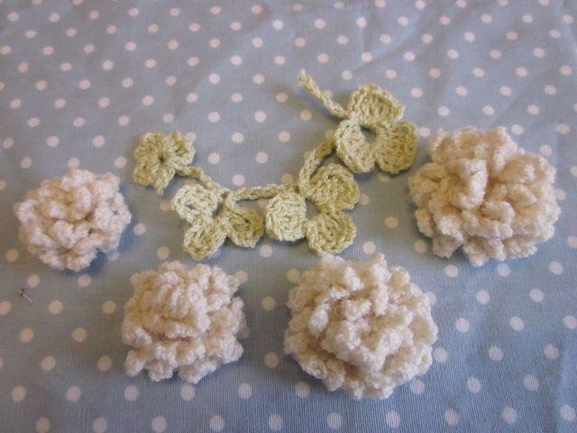#89-90の花より小さくて簡単なモチーフを考えました。 #91http://atelier.woman.excite.co.jp/post/23294.htmlのカチュームに使ってますので好みの大きさを利用してください