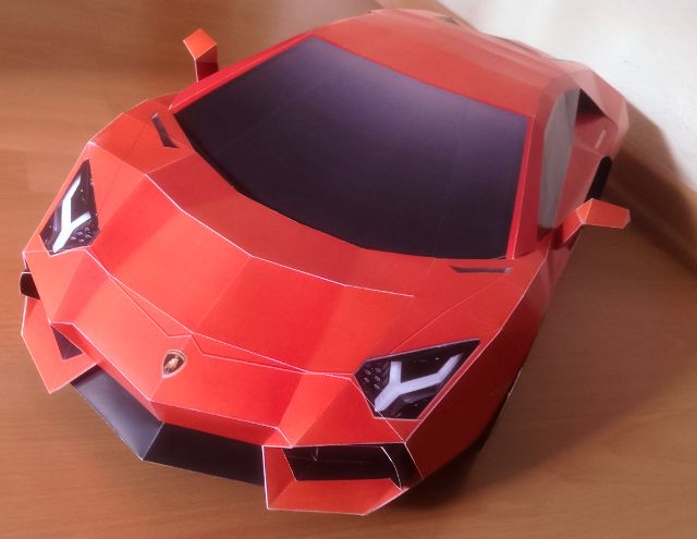 Lamborghini Aventador DIY papercraft model built by Alvin Choo of Singapore. Get and build yours at http://visualspicer.com/store