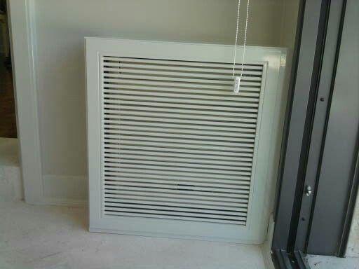Cubre_radiador,  con barras de 1 cm. En el frente