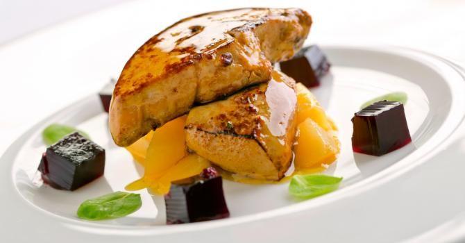 Recette de Foie gras poêlé et sauce passion. Facile et rapide à réaliser, goûteuse et diététique. Ingrédients, préparation et recettes associées.