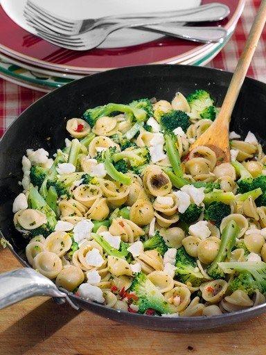 Ореккьетте с брокколи и козьим сыром