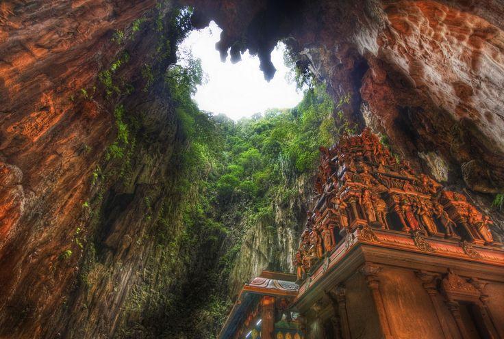 Malaysia Beautiful Place To Visit Beautiful Batu Caves View Beautiful Places And Happenings