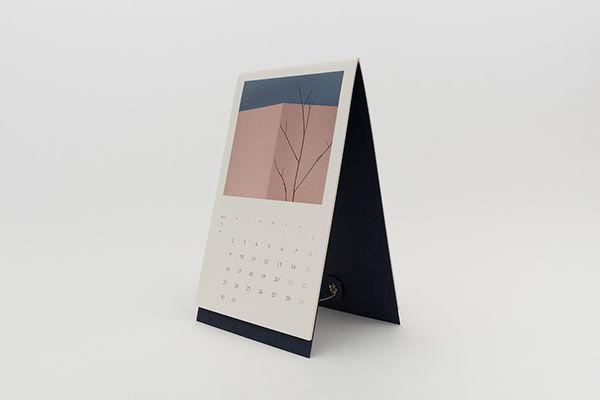 Papiergraph Desk Calendar 2015 on Behance