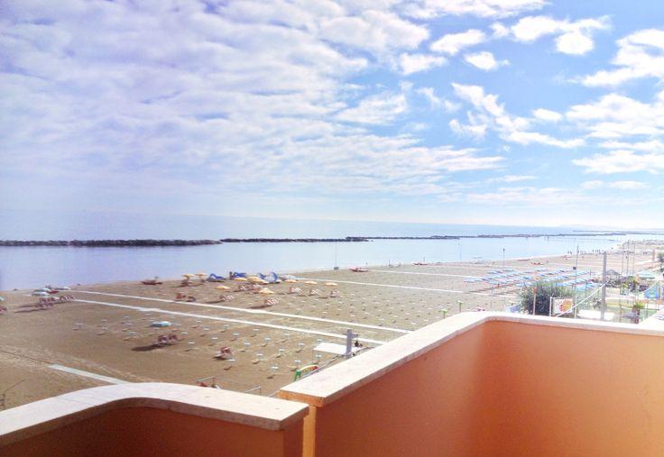 vista mozzafiato sulla spiaggia di Bellaria dai balconi del Residence