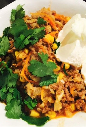 This easy Mexican cauli rice delivers authentic south of the border flavors. Beef, garlic, tomato, corn and more combine for perfect results.
