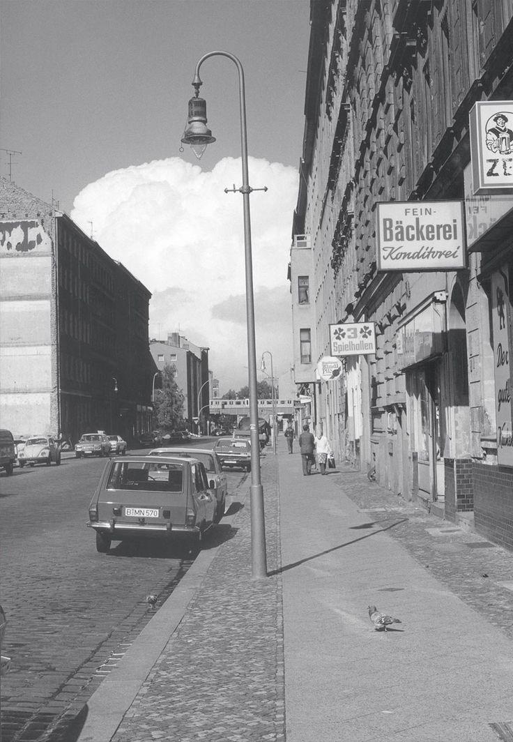 Bröckelnde Fassaden und Szenecafés: Das war Kreuzberg in den Siebzigerjahren. Und so sehen die gleichen Orte heute aus.