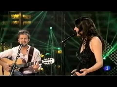 Pablo Alborán y Diana Navarro, Solamente tú - YouTube