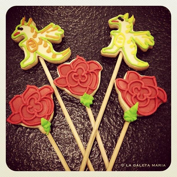 drac i rosa de sant jordi... dragon & rose cookies...