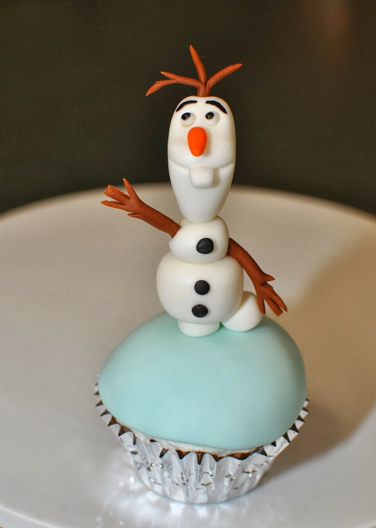Olaf Cupcakes / Frozen Cupcakes : Hope's Sweet Cakes