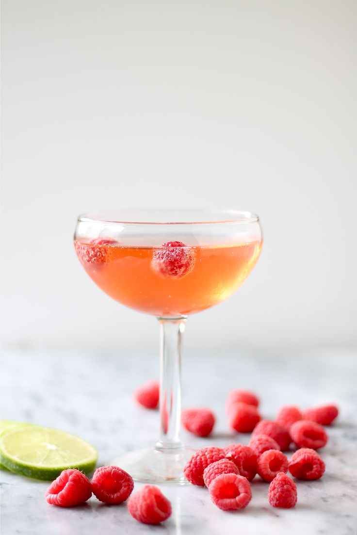 Raspberry and ginger beer champagne cocktail: