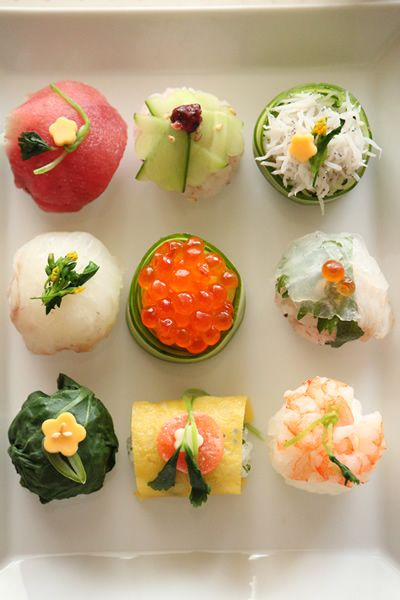 I DON'T like sushi, but these are beautiful. Spring Temari Sushi