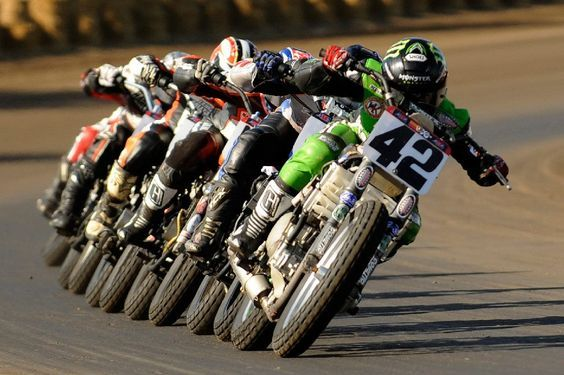 Now that is racing!!! Nothing like a flat track train!