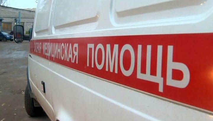 В Сочи спасатели благополучно подняли упавшего с пешеходного моста в реку