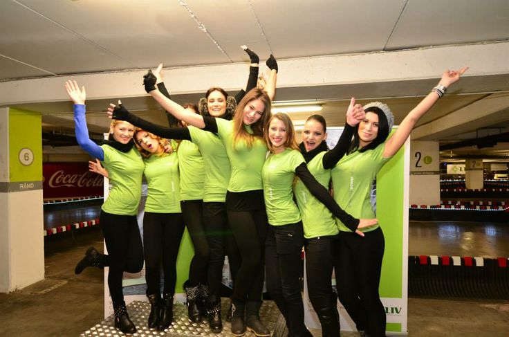 We have a team of professionals for corporate events, providing a wide range of services: karting, other corporate games, DJ, MC, entertainment, gourmet catering, hostesses! All for a great corporate event!