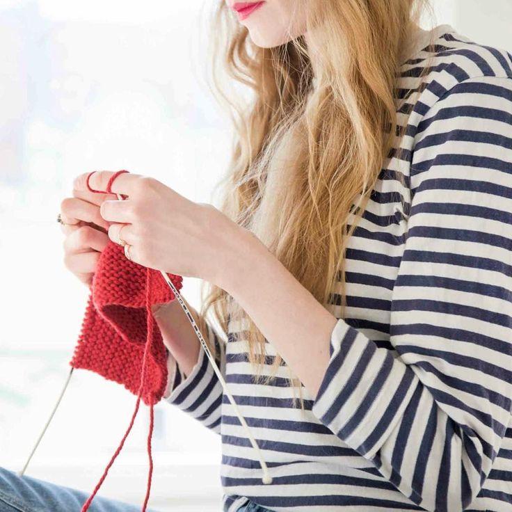"""Unter dem Motto """"Stricken 3.0"""" hat unser Partner @prym.consumer ergonomische Stricknadeln entwickelt. Julia von DaWanda hat sie für Dich getestet. Ihren Bericht findest Du hier: http://ift.tt/2ne7ML1 #dawanda #prym #diy #strickprojekt  #stricken #strickenmachtglücklich #strickenisttoll #strickenmachtspass  #knittersofinstagram #knittersoftheworld #knittersofig"""