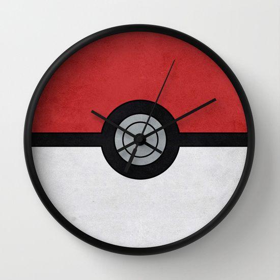 Minimal Pokéball - Pokemon Classic Wall Clock