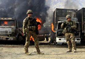 21-Jun-2014 6:49 - AMERIKANEN GEDOOD BIJ BOMAANSLAG AFGHANISTAN. Drie Amerikaanse militairen zijn om het leven gekomen door een bomaanslag in het zuiden van Afghanistan. Ook een speurhond sneuvelde, maakte de...