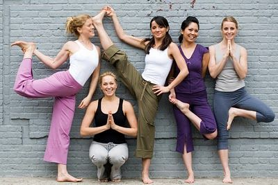 6 Reasons Why a Home-Yoga-Party Can Be a Good Alternative for a Girls Night Out