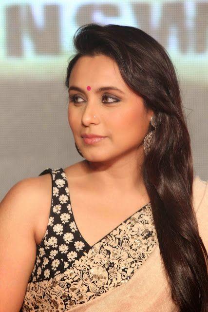 celebstills: Rani Mukherjee Looks Beautiful In Saree