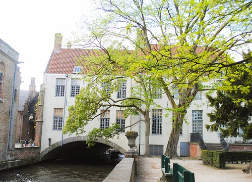 Canal bridge house in Bruges, Belgium by © Erin via ysvoice