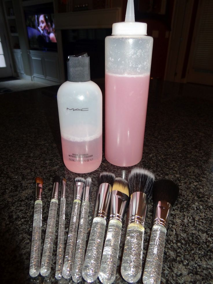 MAC Makeup brush cleaner Knock off 1 cup distilled water, 1/4 cup of rubbing alcohol, tablespoon shampoo