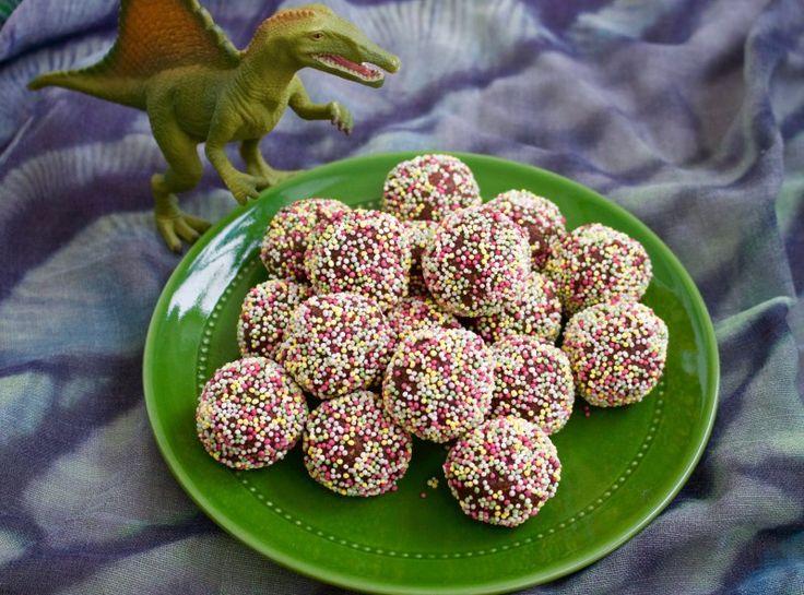 Kalasbollar- Chokladbollar rullade i strössel