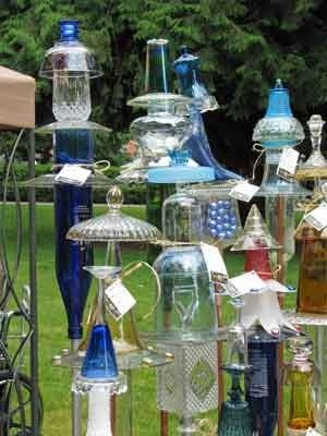 glass yard art: Glasses Yard Art, Recycled Glasses, Gardens Totems, Camps Ideas, Lawn Art, Gardens Design Ideas, Glasses Art, Gardens Art, Glasses Totems