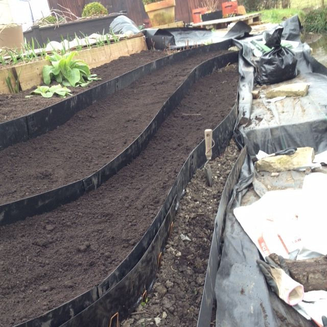 Welcome   EverEdge   Flexible Metal Garden Edging And Steel Raised Beds.  Ideal For Lawns, Landscape Gardens, Paths, Flower Beds And Vegetable Growing