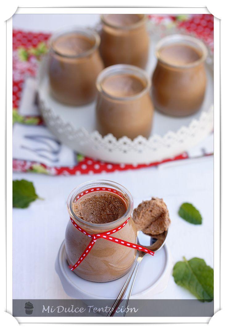 Después de la resaca cumpleñaera  os vengo con otro dulce... y además de ¡¡chocolate!! y es que estoy sacando tantísimo partido a la crema ...