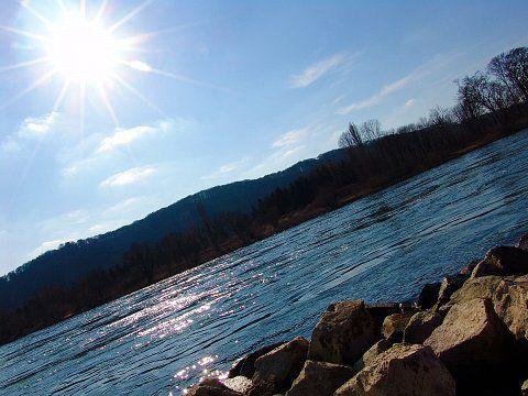 RheinShine - Der Rhein kippt um ...
