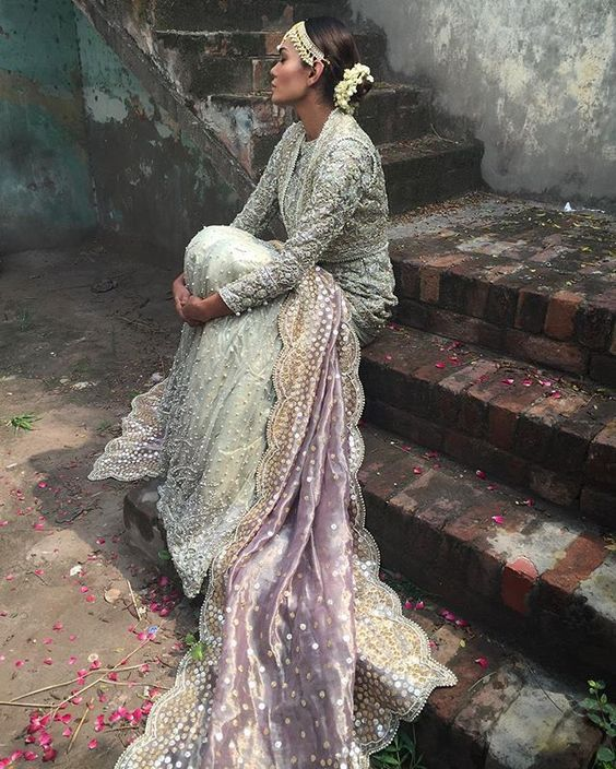 shaadifashion:     Suffuse by Sana Yasir - The Golden Boutique