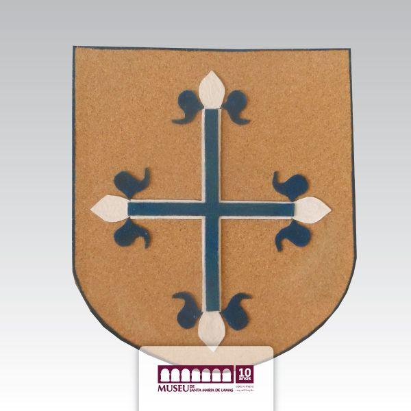 Escudo em cortiça alusivo a Viagem Medieval