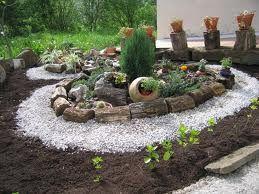 decoracion de jardineras con piedras grandes y jarrones buscar con google