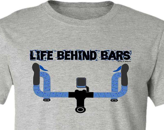 Fiets T-t-shirt--Road leven achter BARS fiets T-shirt, grijze tee, giften voor fietsers, weg fiets gift, gift van fiets, voor hem