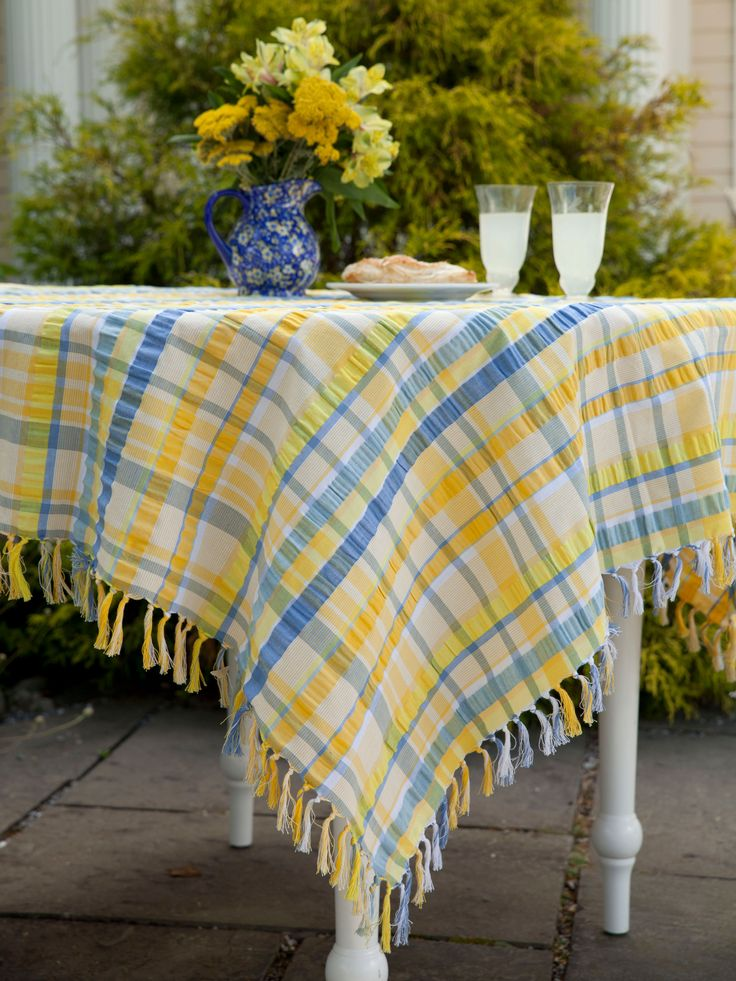 Nothing compares to the soothing seaside blues and cheerful sunflower yellow of this charming French recipe. Crafted in summertime classic, seersucker cotton, the Provence Seersucker invites all manner of good times- from the porch to the kitchen- I swear you can actually smell the Sea!