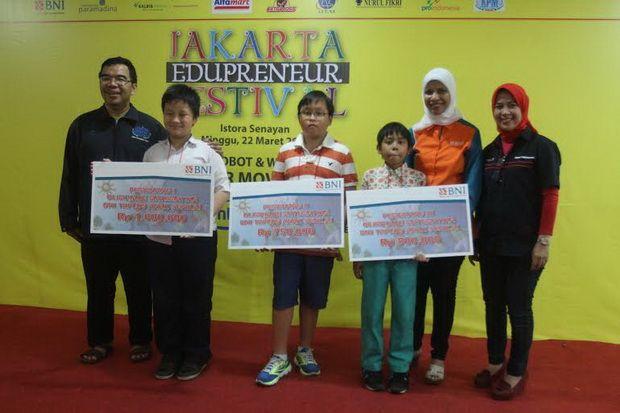 Ini Pemenang Olimpiade Matematika JEF 2015 tingkat SD dan SMP http://sin.do/bayl  http://edukasi.sindonews.com/read/979875/144/ini-pemenang-olimpiade-matematika-jef-tingkat-sd-dan-smp-1427013395