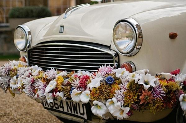 Wedding Car floral decor !