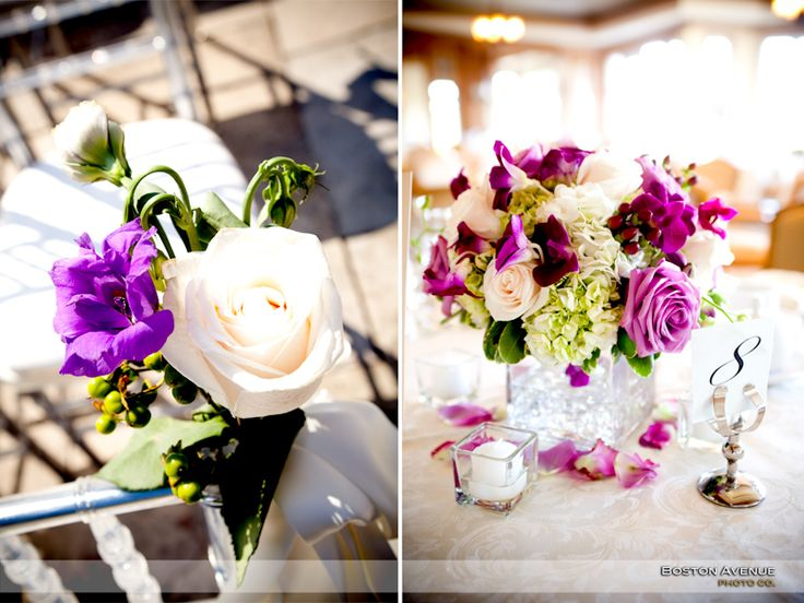Pretty ceremony details at the King Valley Golf Club