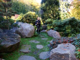 Stunning Swedish garden visited by Florentina
