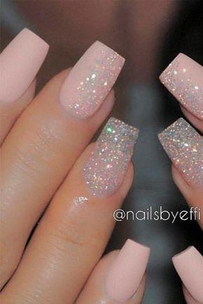 Completa tu look nupcial con estos diseños de uñas para tu boda. El detalle de tener un diseñ...