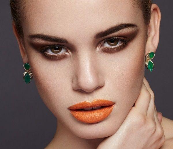 Rossetto labbra arancioni