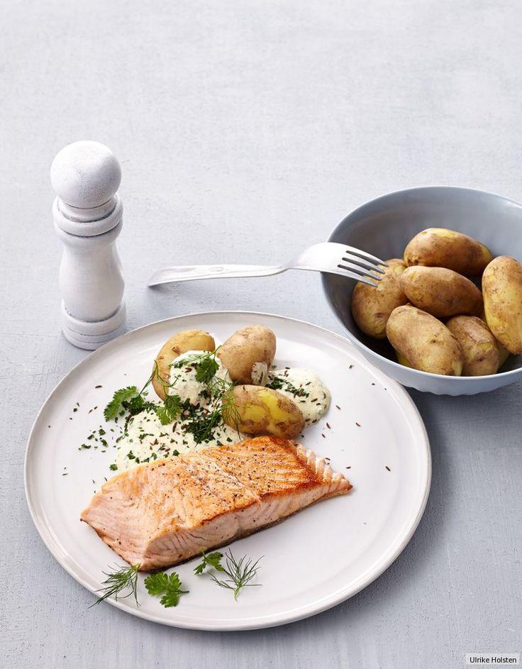 Rezept für Lachs mit Pellkartoffeln und Quark bei Essen und Trinken. Und weitere Rezepte in den Kategorien Fisch, Gemüse, Getreide, Gewürze, Kartoffeln, Käseprodukte, Kräuter, Milch + Milchprodukte, Hauptspeise, Braten, Einfach, Schnell.
