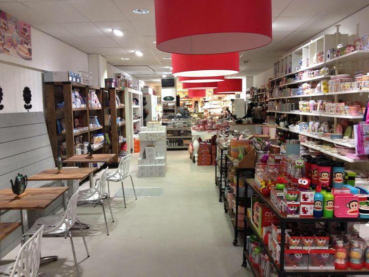 Overzicht van de winkel bij binnenkomst
